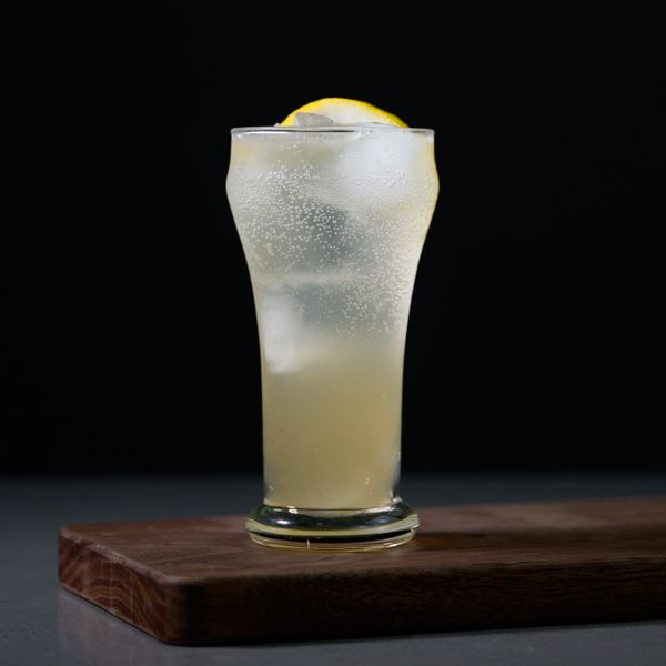 Tom Collins cocktail photo