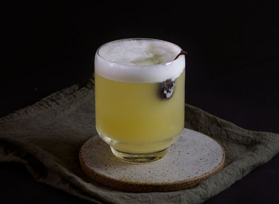 Whiskey Sour cocktail photo