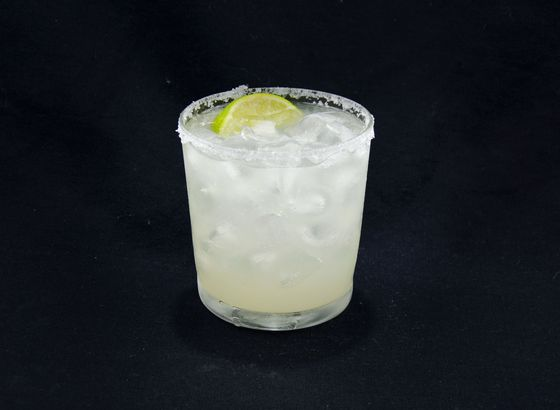 Margarita cocktail photo